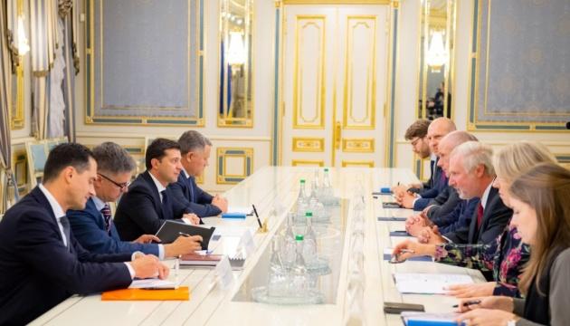 Зеленський зустрівся з главою МЗС Нідерландів — говорили про МН17
