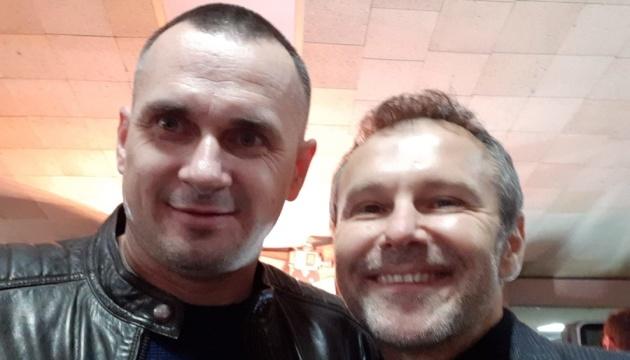 Сенцов і Вакарчук завітали на прем'єру