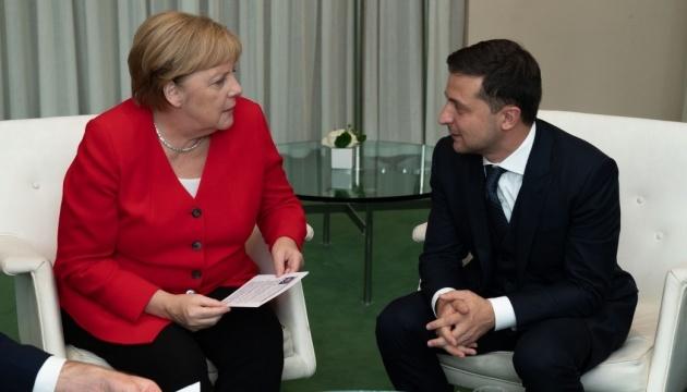 Volodymyr Zelensky et Angela Merkel ont discuté des préparatifs de la rencontre au format Normandie