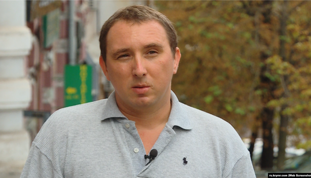 Правозащитник считает похищением задержание активиста в Крыму