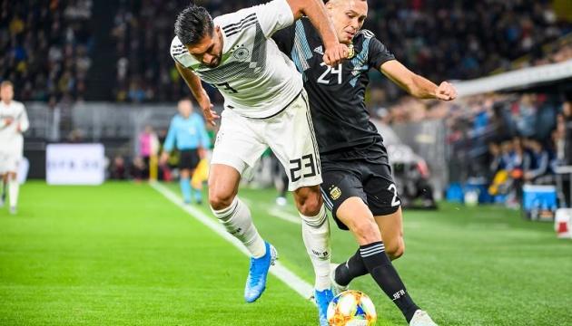 Аргентина врятувалась в контрольному матчі з Німеччиною