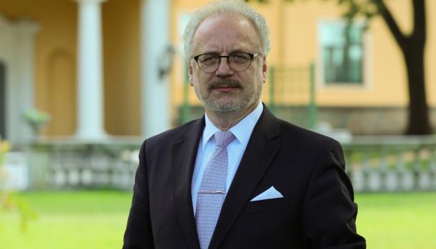 """Президент Латвії: українські """"гостьові робітники"""" сприяють латвійській економіці"""