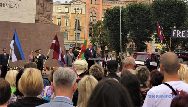 Präsident Lettlands erwartet Besuch von Selenskyj und will vom ihm mehr über seine Sicht der Lage im Donbass und auf der Krim erfahren
