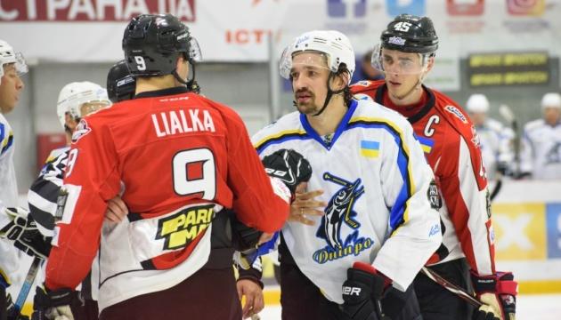 УХЛ: «Дніпро» обіграло «Білий Барс» в серії булітів