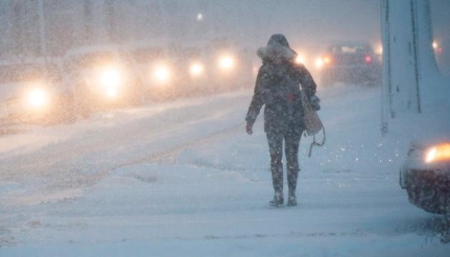 Из-за снегопада остановилось движение по Трансканадской магистрали