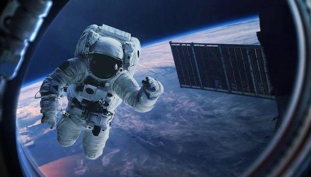 """Американські астронавти знову здійснили семигодинну """"космічну прогулянку"""""""