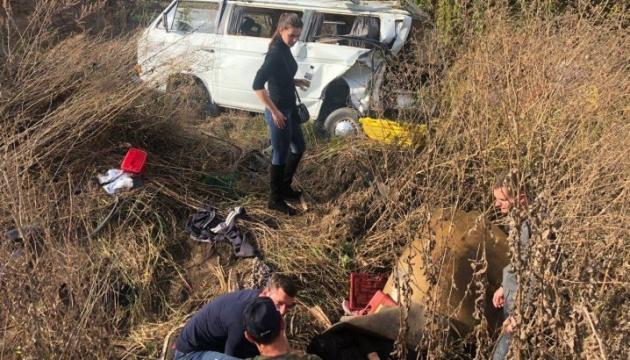 На Буковині автобус зіткнувся з маршруткою, серед постраждалих — четверо дітей