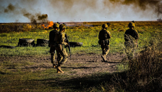 Thirteen ceasefire violations recorded in eastern Ukraine
