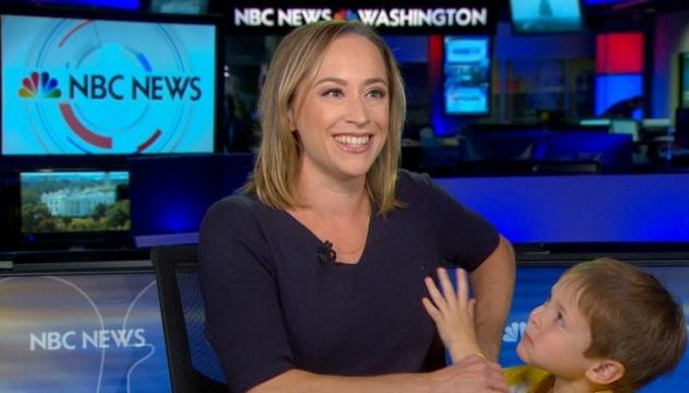 Сын ведущей NBC попал в прямой эфир во время новостей о Сирии