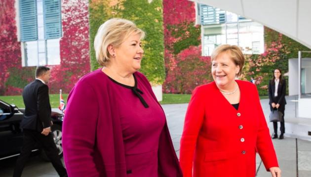 НАТО следует надавить на Турцию - премьер Норвегии