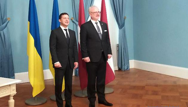 Зеленский поблагодарил Латвию за поддержку Украины в ПАСЕ