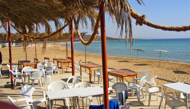 Кипр будет бесплатно лечить туристов от COVID-19
