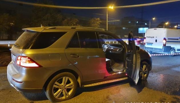 В Днипре неизвестный обстрелял автомобиль: водитель погиб