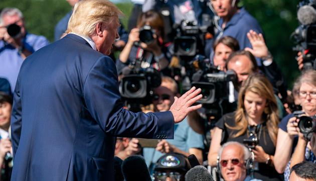 Трамп говорит, что нет необходимости в анализе его разговора с Зеленским