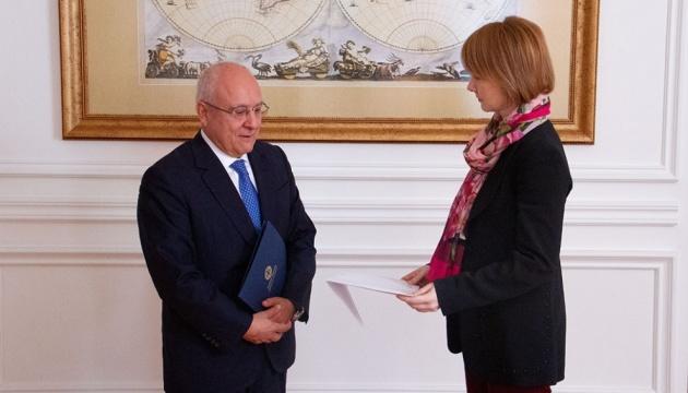 Зеркаль поговорила з новим послом Греції про підтримку суверенітету України