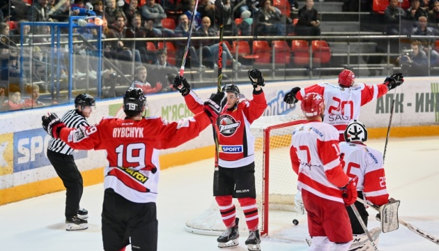 «Донбас» стартував з перемоги на Континентальному кубку