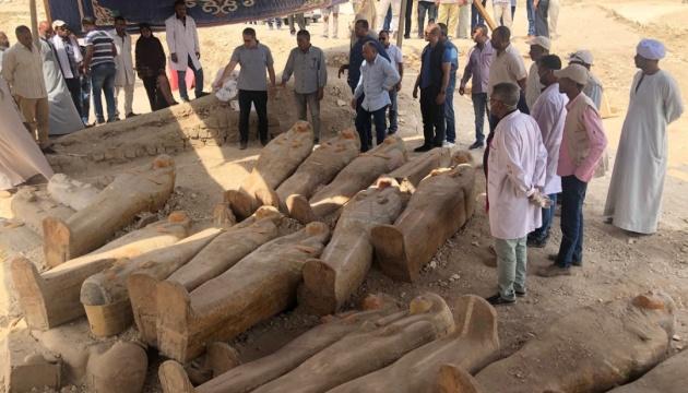 Археологи обнаружили в Египте 30 саркофагов с мумиями