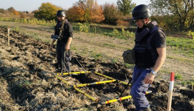 327 explosives disposed of in Donbas over past week