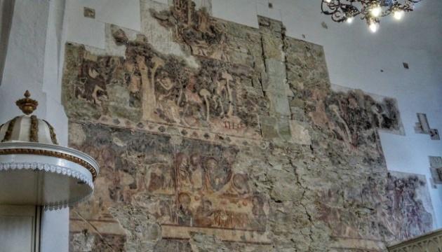 У церкві на Закарпатті виявили мурал XIV століття