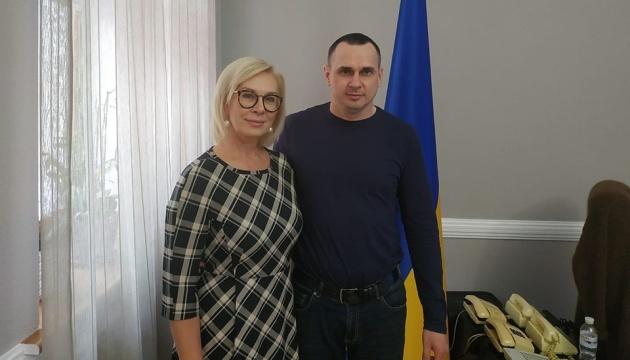 Ombudsfrau Denisowa trifft mit Senzow zusammen