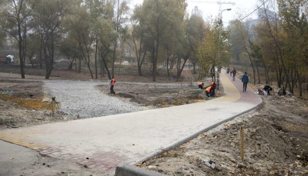 Кличко показав, як ремонтують другу чергу парку