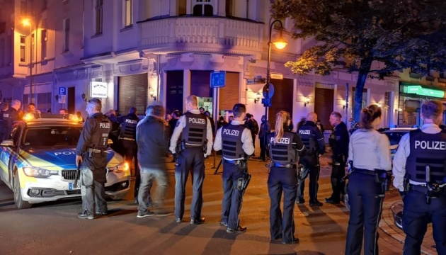 В Германии — столкновение между турками и курдами, полиция применила перцовый газ
