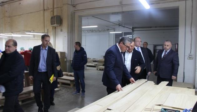 Голова Вінницької ОДА: «Відвідуючи різногалузеві підприємства, вивчаю, які конкретні економічні дії є найбільш затребуваними»