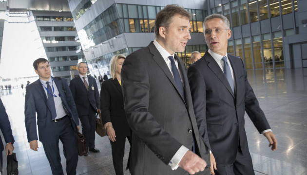 Defense Minister of Ukraine meets with NATO Secretary General