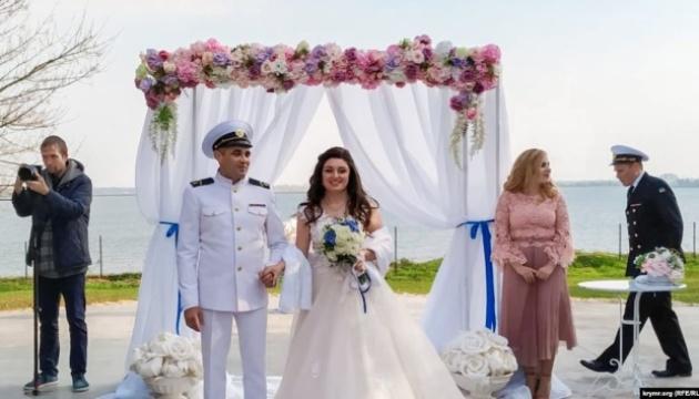 Звільнений з російського полону моряк Беспальченко відсвяткував весілля