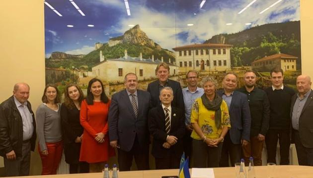 Члени Меджлісу обговорили ситуацію в Криму з політиками Нідерландів