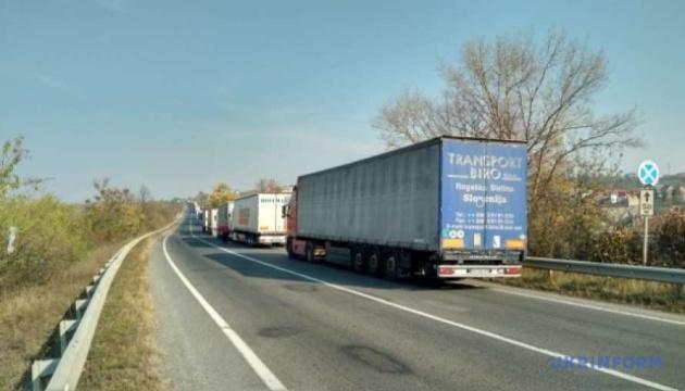 На час карантину для вантажних перевезень працюватимуть всі великі пункти пропуску