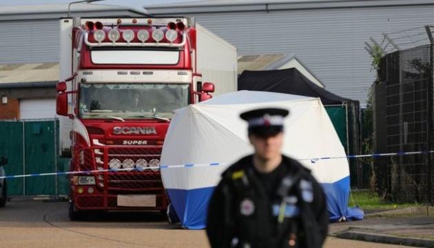 Британський суд залишив під арештом водія вантажівки з 39 трупами
