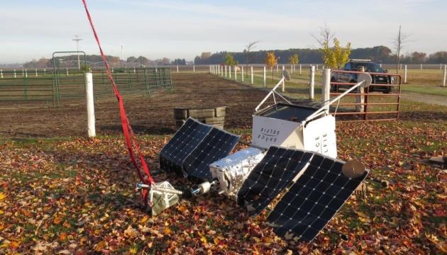 Спутник Samsung упал на территорию фермы в США