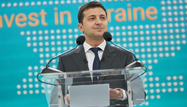 Zelensky: 12 mémorandums signés, des centaines de projets présentés à Marioupol