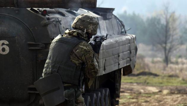 Окупанти обстріляли позиції ЗСУ біля Луганського і Новогнатівки
