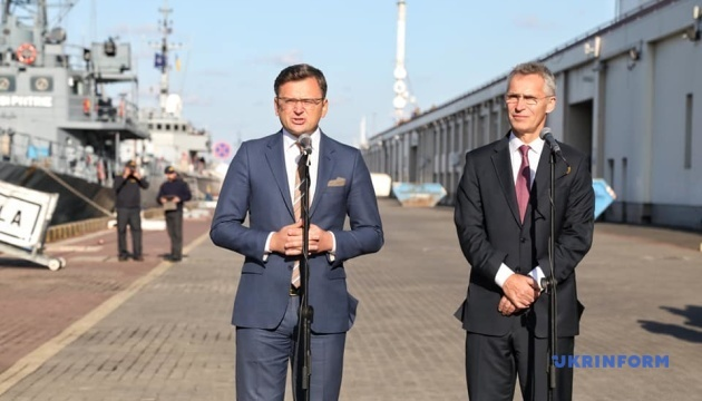 Уряд планує досягти за п'ять років критеріїв членства у НАТО - Кулеба