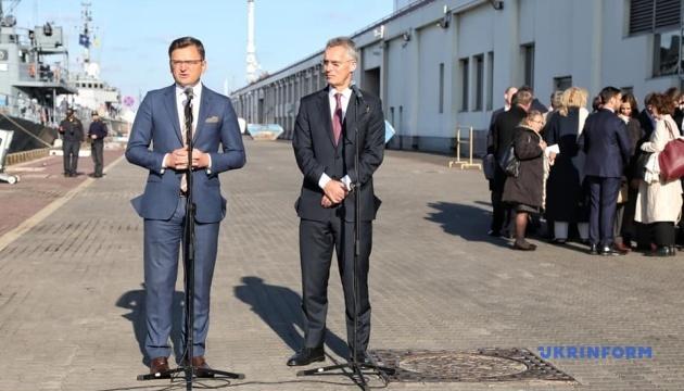 Кулеба пояснив, чим важлива присутність НАТО у Чорному морі