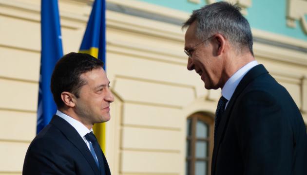 Zelensky y Stoltenberg celebran una reunión