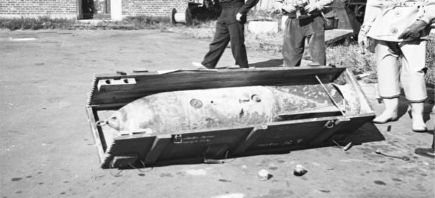 Авіаційна бомба з гірчичним газом, що знайдена на узбережжі в дерев'яному ящику / Фото з музею Борнгольму