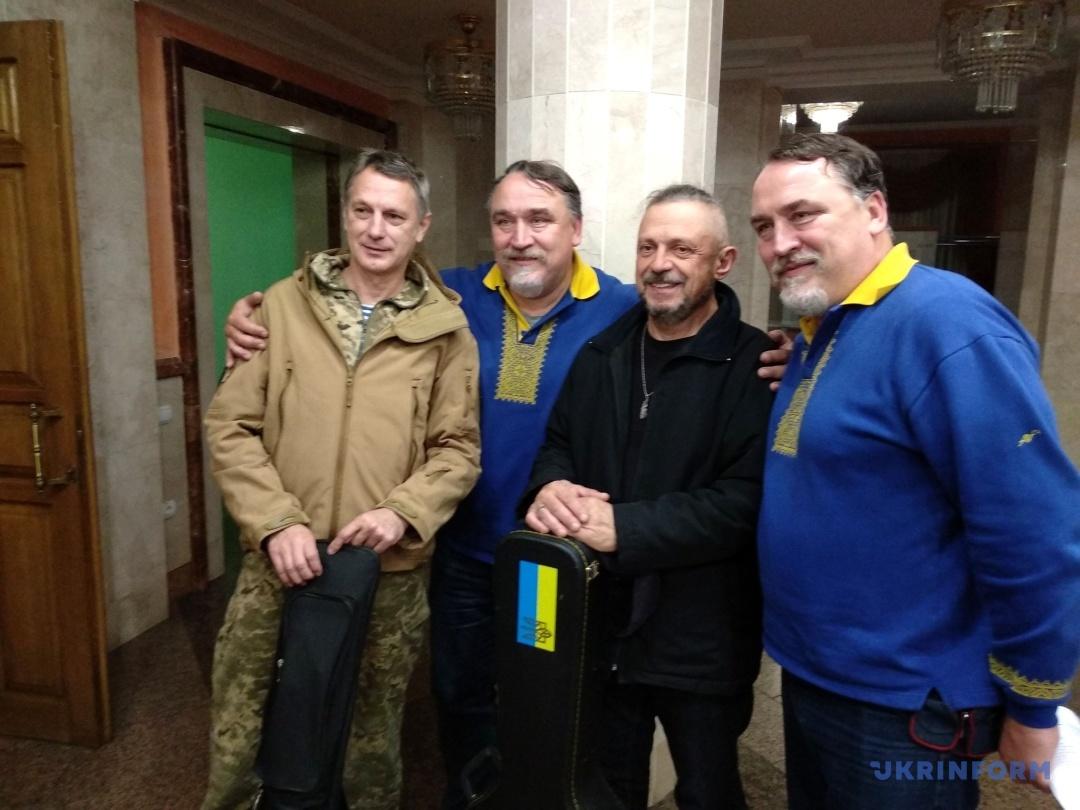 Віталій та Дмитро Капранови з Сергієм Цигипою та Сергієм Бойком