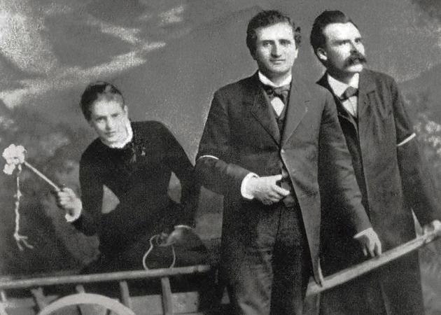 светская львица и дворянка Лу Саломе, философ-позитивисто Пауль Рэ и Фридрих Ницше