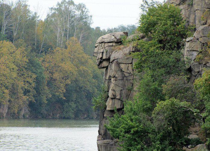 Скеля Голова Чацького