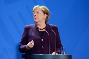 Меркель кличе у Німеччину кваліфікованих працівників із-за меж ЄС