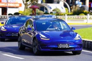 Tesla показала первые электрокары, изготовленные в Китае