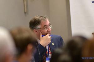 У спілкуванні зі світом важливо наголошувати на перевагах України — експосол Канади
