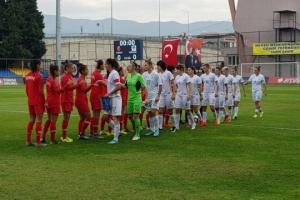 Жіноча збірна України з футболу розгромила в Ізмірі Туреччину