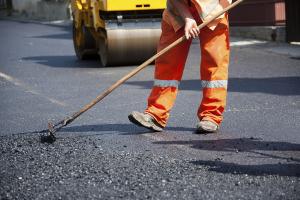 На Донетчине ремонтируют дорогу в объезд оккупированных территорий