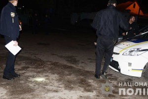 В Дарницком районе устроили стрельбу, ранен мужчина