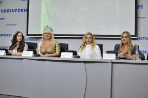 Miss Top of the world plus size: первая вице-мис получила корону в Укринформе