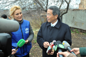 Посол Японии проинспектировал восстановленные за средства его страны объекты на Луганщине